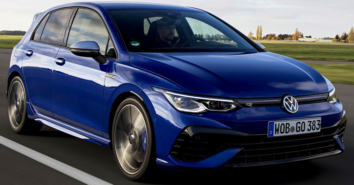 A picture of the 2021 Volkswagen Golf R Mk8 in motion